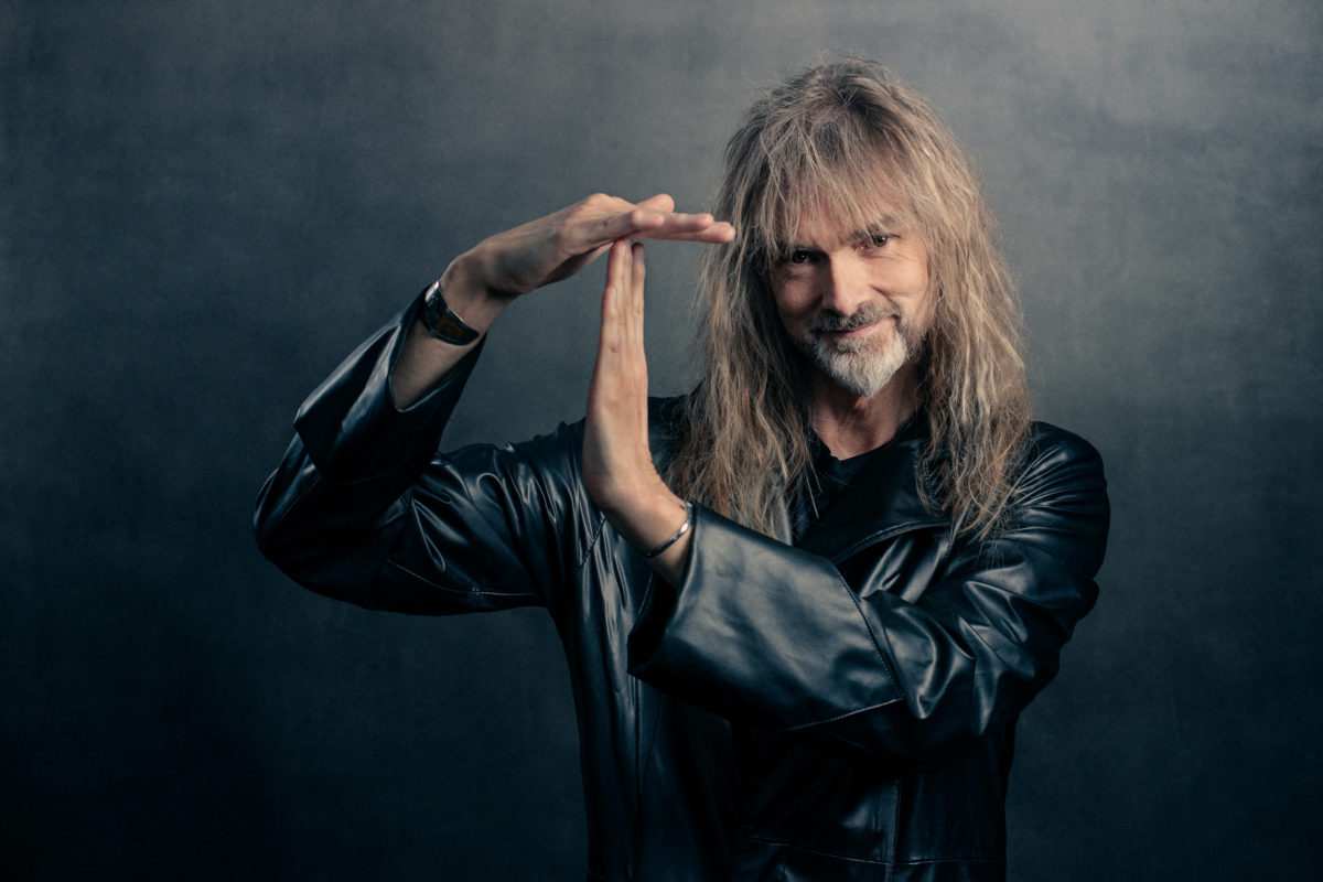 ayreon-releases-behind-the-scenes-lyric-video-for-'talk-of-the-town'