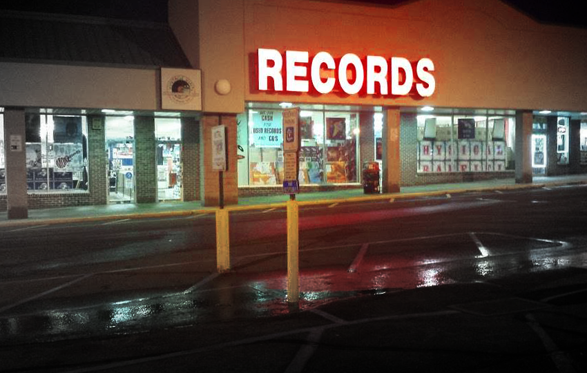 low-fidelity:-vintage-vinyl-and-the-precarious-state-of-the-indie-record-store